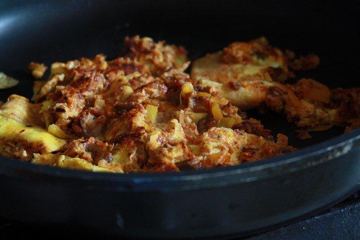omelette hareng saurs - herring omelet