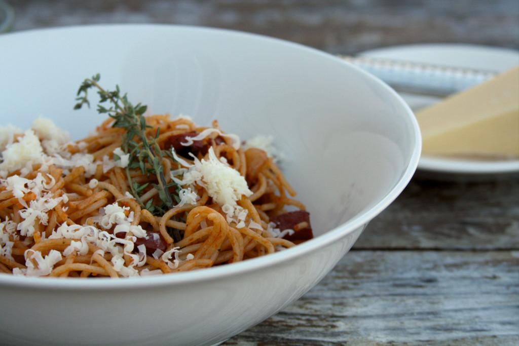 spaghetti saucisse et fromage